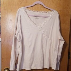 Women's plus sized top